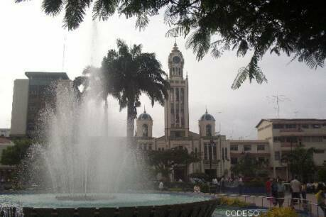 Center of the city of Machala - Province of El Oro Pictures